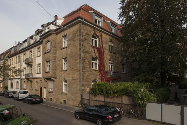 Modernisierung und Dachausbau eines denkmalgeschützten Stadtpalais in Karlsruhe - Ansicht Haus