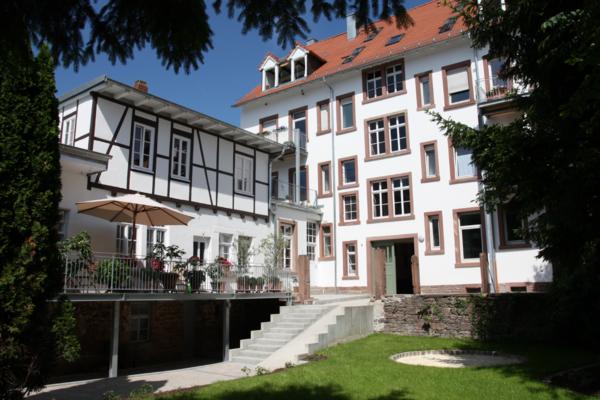 1 Kernsanierung und Dachausbau eines denkmalgeschützten Altbaus in Durlach