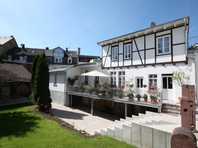 3 Kernsanierung und Dachausbau eines denkmalgeschützten Altbaus in Durlach