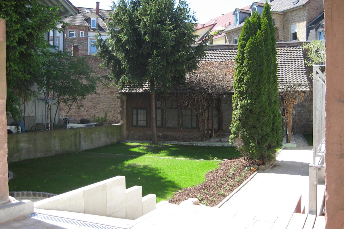 5 Kernsanierung und Dachausbau eines denkmalgeschützten Altbaus in Durlach